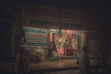 Nachtwinkel in India van Edgar Bonnet-behar