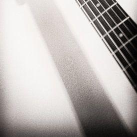 Schaduwspel Hohner gitaar van Annemiek van Eeden