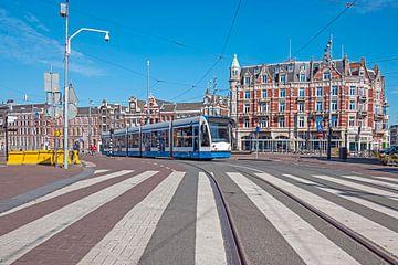 Straßenbahnfahren auf dem Muntplein in Amsterdam von Nisangha Masselink