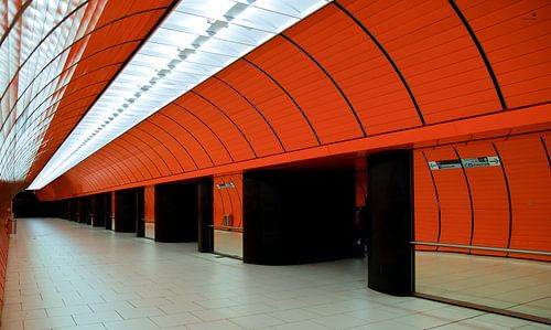 Münchner U-Bahn van Hannes Cmarits