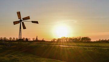 Zonsondergang polder landschap Nederland van Marjolein van Middelkoop