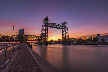 De Hef-brug bij zonsondergang, Rotterdam van Gea Gaetani d'Aragona