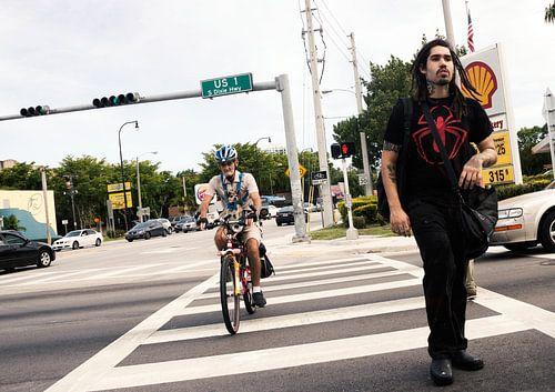Männer Fußgängerübergang