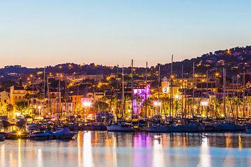 Bandol aan de Côte d'Azur in de avonduren van