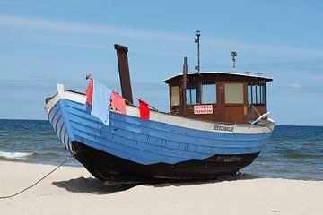 Fischerboot am Strand  in  Bansin, Bansin, Insel Usedom, Mecklenburg-Vorpommern, Deutschland, Europa