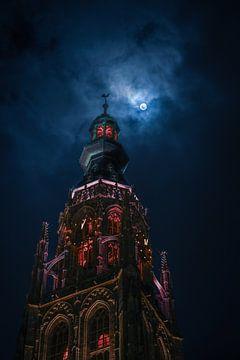 Grote Kerk in Breda bij maanlicht - Portret van Jesper Stegers