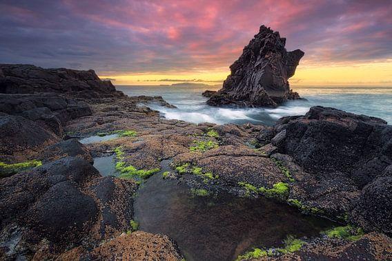 Black Devils Tower (Santa Cruz / Madeira) van Dirk Wiemer