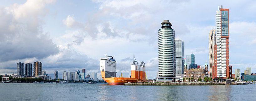 Dockwise Vanguard aan Wilhelminapier in Rotterdam van Maurice Verschuur