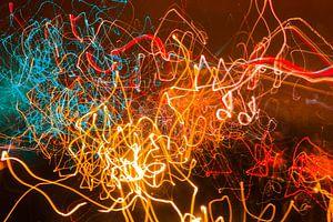 Gloeiende neon draaikolken. van kall3bu