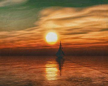 Een zeilschip zeilt tijdens zonsondergang op zee