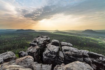 Elbe Sandstone Mountains - Lookout in the evening light van