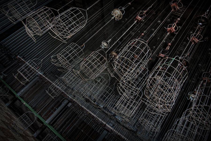 Kledingmandjes (Urbex) van Eus Driessen