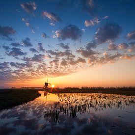 De Broekmolen bij zonsopkomst van Peter Halma