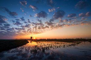 De Broekmolen bij zonsopkomst
