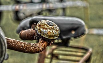 Roestige fietsbel van Ans Bastiaanssen