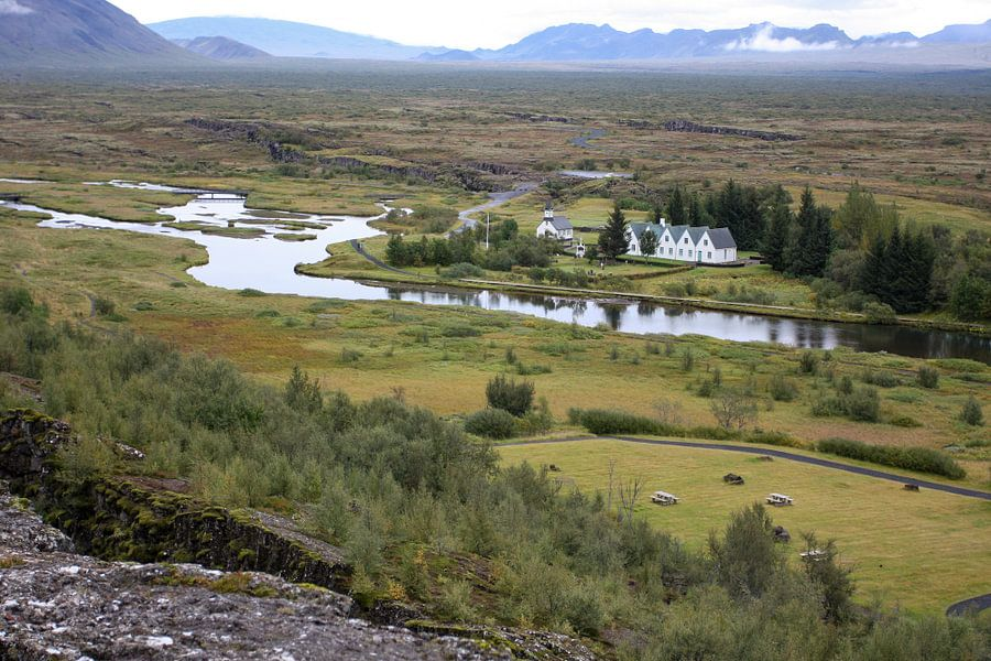Huisjes en kerk in IJsland