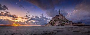 Mont Saint Michel bij zonsondergang