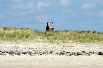 De kerk van Hollum vanaf het strand van