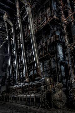 Pipes dans une centrale électrique abandonnée sur Eus Driessen