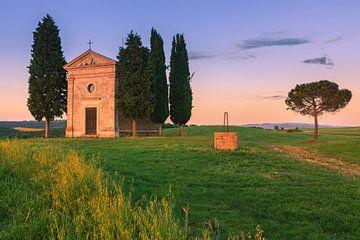 Kapelle Madonna di Vitaleta, Toskana, Italien von Henk Meijer Photography