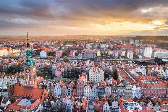 Uitzicht op Gdansk (zonsondergang) van Frenk Volt