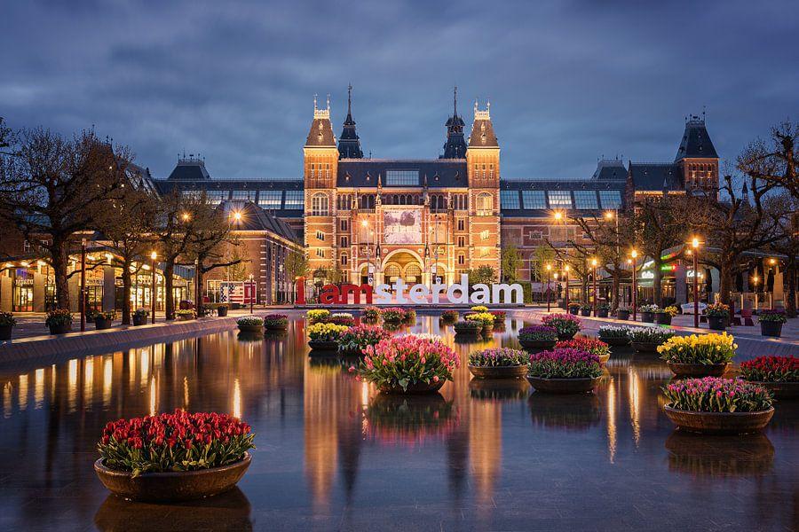 Rijksmuseum en tulpen