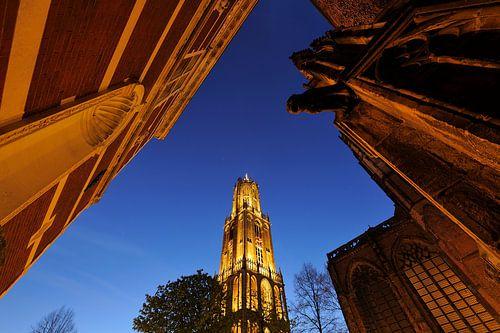 Academiegebouw, Domtoren en Domkerk in Utrecht, foto 2 von Donker Utrecht