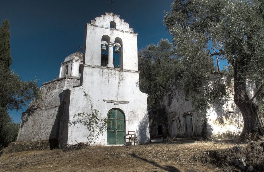 Grieks Kerkje op Corfu van Guido Akster