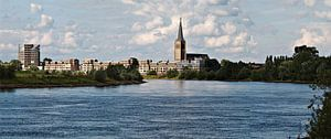 Doesburg vanaf de IJssel van M  van den Hoven