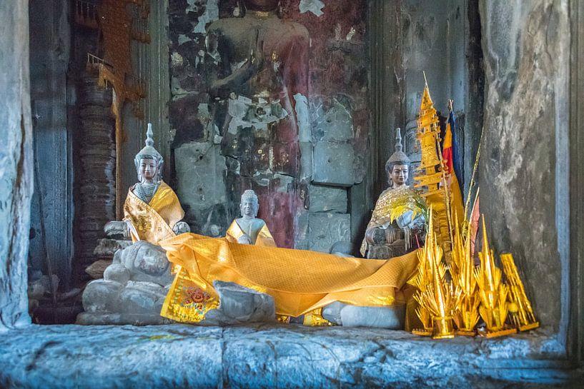 Liggende Boeddha in Angkor Wat, Cambodja van Rietje Bulthuis