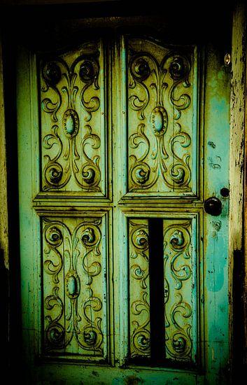 Groene oude brocante deuren.