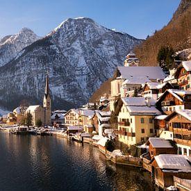 Hallstatt en Autriche dans la neige en hiver sur iPics Photography