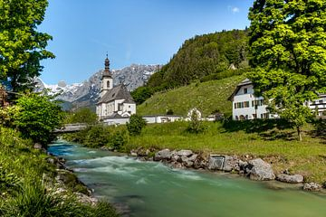 St.Sebastian Church in Ramsau bei Berchtesgaden van Maurice Meerten