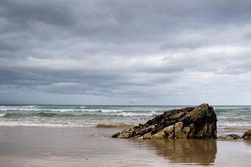 Rots aan de kust van Zuid-Afrika van Marcel Alsemgeest