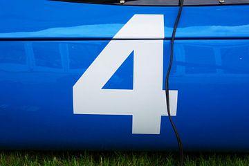 Racenummer vier van Theodor Decker