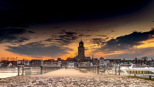Zonsopkomst boven Deventer