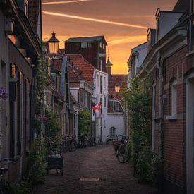 Amersfoort straatjes zonsondergang van Albert Dros