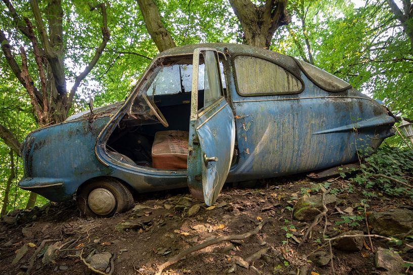 Decay Car von Henny Reumerman