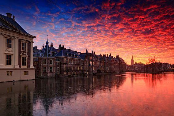 avondrood boven de Haagse Hofvijver