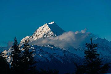 Gipfel des Mount Cook in Neuseeland von Linda Schouw