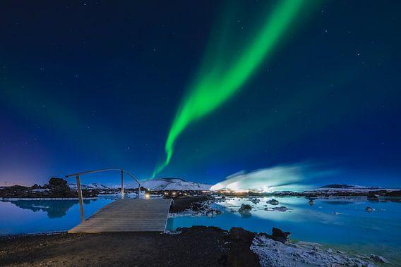 Blue Lagoon met Noorderlicht van Edwin van Wijk