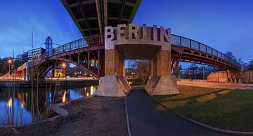 Un pont à Berlin avec l'écriture