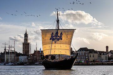 Kogge voor het IJsselfront van Kampen van Erik Wilderdijk