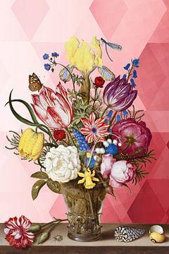 Vaas met Bloemen van Marja van den Hurk