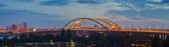 Panorama van Brienenoordbrug te Rotterdam