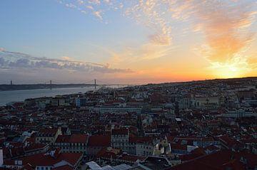 Zonsondergang Lissabon van Roos Vermeulen