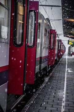 Sneeuw bij de spoorwegen van Ronald De Neve
