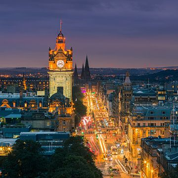 Abend über Edinburgh, vom Calton Hill aus gesehen