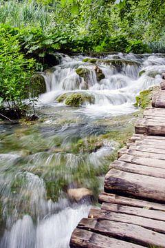 Wasserfall entlang des Weges von