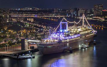 Le navire de croisière SS Rotterdam à Rotterdam Katendrecht sur MS Fotografie | Marc van der Stelt